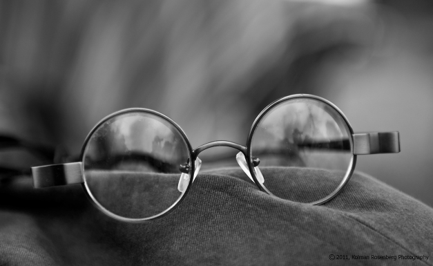 spectacles-bw